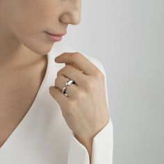 MERCY small, simple ring in sterling silver. Visit the Georg Jensen online store for easy shopping, beautiful gift wrapping and safe shipping. Ring Home, Large Jewelry Box, Organic Form, Contemporary Jewellery, Innovation Design, Sterling Silver Rings, Jewelry Rings, Jewelry Design, Pouch