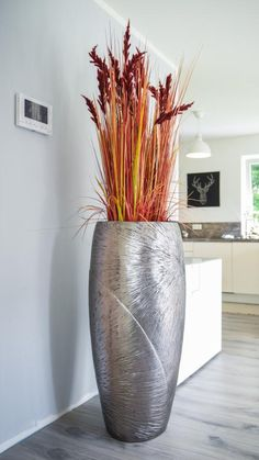 Most of the most popular bags do not meet a certain aesthetics this season. Ikebana, Plantation, Clay Pots, Container Plants, Plant Decor, Flower Vases, Gallery, Outdoor, Design