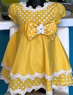Baby Girl Dress Patterns, Baby Dress Design, Frocks For Girls, Kids Frocks, Sewing Baby Clothes, Girl Doll Clothes, Baby Girl Party Dresses, Little Girl Dresses, Girls Boutique Dresses
