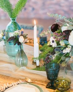 This green and blue winter wedding inspiration embodies a winter spent by the sea. Nautical Wedding Inspiration, Winter Wedding Inspiration, Picnic Decorations, Holiday Parties, Dinner Parties, Fall Wedding, Wedding Reception, Wedding Colors, Table Settings