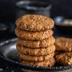 Crispy Cinnamon Cookies - Cook With Manali Salty Biscuit Recipe, Oat Cookie Recipe, Eggless Cookie Recipes, Cookie Flavors, Healthy Cookie Recipes, Oatmeal Cookie Recipes, Cookie Crunch, Eggless Baking, Healthy Cookies