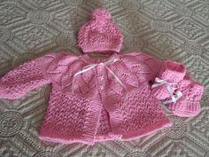(¯`·¸·´¯) Dalva artes em trico e croche (¯`·¸·´¯): CONJUNTO EM TRICO PARA BEBE, CASAQUINHO, TOUCA E S...