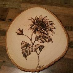 Wood Burning Stencils, Wood Burning Tool, Wood Burning Crafts, Wood Burning Patterns, Wood Crafts, Burning Flowers, Wood Burn Designs, Diy Cutting Board, Diy Arts And Crafts