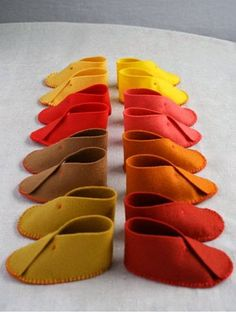 Cara Membuat Kerajinan Tangan Dari Kain Flanel | Sepatu Bayi | Berikut Ini Cara Membuat Kerajinan Tangan Dari Kain Flanel Berupa Sepatu Bayi Lucu www.KerajinanTanganTop.blogspot.com #kerajinantangan #kerajinan #caramembuatkerajinantangan #kainflanel #flanel