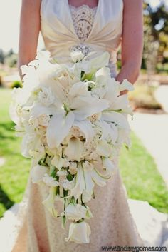 Here is a beautiful example of using blush/ivory toned flowers...Cascade of Lilies, Carnations, Roses