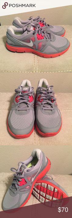 Nike lunarlon Worn once! Excellent condition. Super comfy. Nike Shoes Athletic Shoes