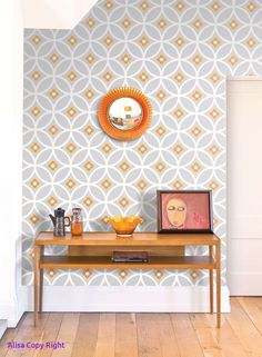 Daisy Chain Large by Layla Faye - Orange Surprise - Wallpaper : Wallpaper Direct - Gorgeous retro, geometric wallpaper design by Layla Faya in the lovely orange and grey colourway. Dining Room Wallpaper, Wallpaper Decor, Retro Wallpaper, Wallpaper Ideas, Bedroom Wallpaper, Trendy Wallpaper, Wallpaper Borders, Kitchen Wallpaper Accent Wall, Office Wallpaper