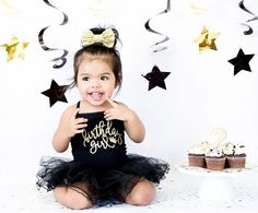 Ahhh! And my fave!  Birthday girl tutu ° @juneandkate  Bow ° @juneandkate #toddlerfashion #toddlerootd #kidsfashion #kidshairstyles #birthdaygirl #april #tutu #twinkle