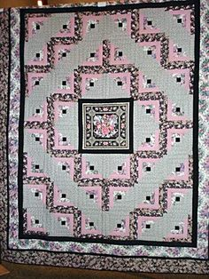 LOG CABIN QUILT IMAGES | Log Cabin With Center Panel Quilt - D & D Country Quilts