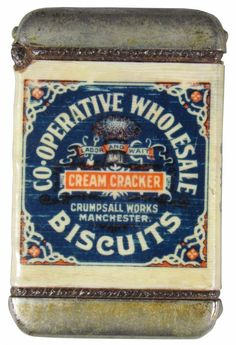 Co-operative Wholesale Biscuits tin. Retro Design, Vintage Designs, Vintage Tins, Vintage Stuff, Cream Crackers, Old Country Stores, Baking Tins, Food Labels, Vintage Branding