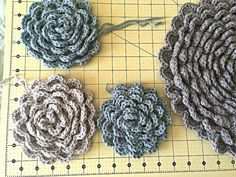 """Crochet Flower Rug TUTORIAL up to 22 ROUNDS OF PETALS SO FAR """")  AWESOME!!!!                                                                                                                                                                                 More"""