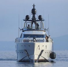 Focus on the stunning 65m M/Y LADY M built by American shipyard Palmer Johnson and designed by Acclaimed Italian firm Nuvolari Lenard. Italo-American beauty ! @pj_shipbuilding #palmerjohnson #palmerjohnsonyacht #americanyachts #superyachts #yachtlife #yachtworld #superyachtworld #superyacht #yachtdesign #yacht #superyachtspotter #yachts #ladym #yachtcharter #NuvolariandLenarddesign #millionairelifestyle #highsociety #palmerjohnsonsupersport #yachts #nuvolarilenard #millionairemindset Photo…