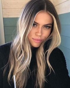 Fresh Balayage Ombre Long Layered Hairstyles for 2019 You can see here our amazing ideas of blonde balayage ombre hair color shades for long hair to show off right now. Use to wear our best balayage highlights for more elegant personality. Hair Color Shades, Ombre Hair Color, Hair Color Balayage, Hair Highlights, Balayage Hair Brunette With Blonde, Balyage Hair, Blonde Hair With Dark Roots, Blonde Long Layers, Ash Blonde