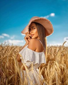 Image may contain: 1 person, standing, sky, hat, child and outdoor - PHOTOGRAPHY Model Poses Photography, Urban Fashion Photography, Outdoor Photography, Country Girl Photography, Vintage Photography Women, Bohemian Photography, Senior Photography, Amazing Photography, Photography Ideas