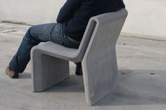 Contemporary chair / concrete / professional use / for public areas AR PURO : Individual Chair by Daniel Caramelo Amop Synergies Cheap Patio Furniture, Outdoor Furniture Design, Concrete Furniture, Urban Furniture, Art Furniture, Street Furniture, Precast Concrete, Concrete Cement, Concrete Crafts