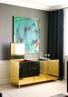 Modern Sideboard Designs for a Bespoke Living Room - Inspirations & Ideas Console Design, Buffet Design, Decoration Inspiration, Interior Design Inspiration, Decor Ideas, Decorating Ideas, Deco M6, Luxury Furniture, Furniture Design