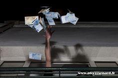 """""""Jeter l'argent par les fenêtres"""""""