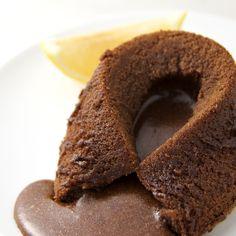 Date pudding cake with sticky caramel/prajitura lipicioasa cu caramel