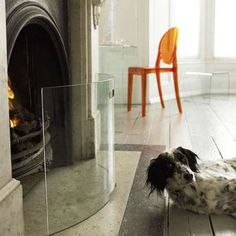 Curved Clear Glass Fire Guard - Photo