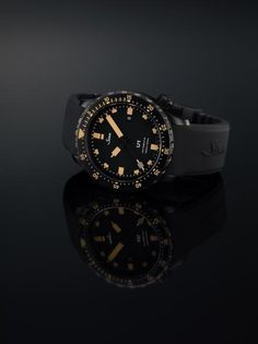 Sinn Watches: Devising unique technical solutions for the world's most challenging environments, Sinn watches are extraordinary watches suitable for all situations. Their collection includes pilot watches & diving watches. Vintage Rolex, Vintage Watches, Fancy Clock, Rolex Watches, Watches For Men, Sinn Watch, Retro Stil, Breitling, Chronograph