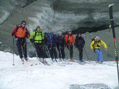 #Skitour Dent d'#Hérens #Ostschulter 4075m: Hochalpine Szenerie zwischen #Matterhorn und Dent Blanche. Hier kommen Sie als Liebhaber alpiner Touren mit langen Abfahrten auf Ihre Kosten. #dentdherens #dentblanche #teteblanche #schönbielhütte #aosta