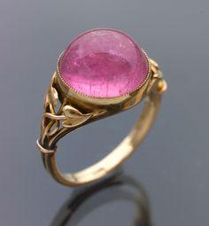 Arts & Crafts pink tourmaline gold ring (c. 1900) - Murrle Bennett & Co Attrib.