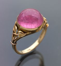 Pretty images of fine jewelry are great, but you need www.JewelryTipsNow.com to give you the knowledge you need to make smart jewelry buying decisions.