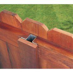 Wood Fence Styles Ideas [Best of Wood Fence Designs] Wood Privacy Fence, Privacy Fence Designs, Diy Fence, Backyard Fences, Fence Gate, Garden Fencing, Backyard Landscaping, Fence Ideas, Wooden Fence Posts
