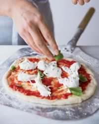 The Gastronaut Files: How to make thin-crust pizza. Recipes by Thomas McNaughton (Flour + Water, SF)