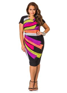 This brushstroke print, zip back, cap sleeve dress is perfect for any occasion! The asymmetrical paint strokes on the dress flatter your curves! Plus Size Skater Dress, Plus Size Bodycon Dresses, Curvy Girl Fashion, Cute Fashion, Ladies Fashion, Pretty Outfits, Beautiful Outfits, Pretty Clothes, Plus Size Summer Outfit