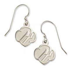 These earrings are elegant and classic.