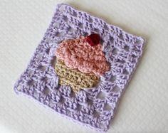 http://www.sewrella.com/2016/02/crochet-cupcake-granny-square-bake-shop.html