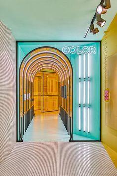 rubio by masquespacio is a futuristic concept store for a spanish publisher - masquespacio rubio publisher concept store valencia designboom - Display Design, Booth Design, Design Shop, Commercial Design, Commercial Interiors, Store Concept, Licht Box, Design Apartment, Poster Design