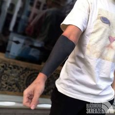 What a intense fun for everyone! Black Sleeve Tattoo, Black Tattoo Cover Up, Cover Up Tattoos, Arm Tattoos For Guys, Sleeve Tattoos, Solid Black Tattoo, Black White Tattoos, Black Ink Tattoos, Hot Tattoos