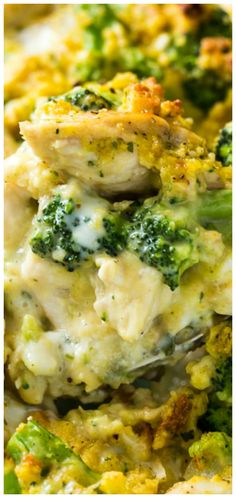 Cheesy Chicken and Broccoli Casserole ~ Made with cornbread stuffing and two types of cheese. There's chicken and broccoli in every bite! Cheesy Chicken and Broccoli Casserole ~ Made with cornbread stuffing and two typ. Chicken Brocolli Rice Casserole, Chicken Broccoli Cheese, Cheesey Broccoli, Cheesey Chicken, Casserole Recipes, Crockpot Recipes, Cooking Recipes, Healthy Recipes, Recipes