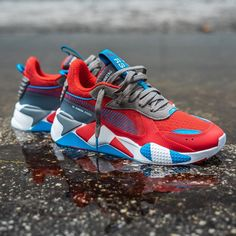 Puma RS-X Retro Spider-Man - Nothing but soles Puma Sneakers, Shoes Sneakers, Men's Shoes, Sneakers Fashion, Fashion Shoes, Mens Fashion, Kicks Shoes, Baskets, Fresh Shoes