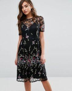 Кружевное платье миди с вышивкой Miss Selfridge