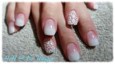 Nails done by Angelique Allegria. #french #ombre #white #flowers #gold #nailart #BeUnique @angiedsa