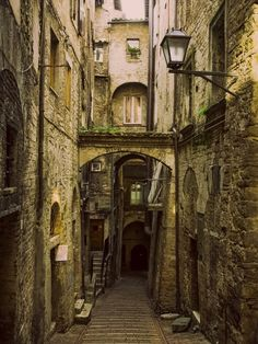 Medieval Street in Perugia (Umbria, Italy) by David Sutherland Medieval Village, Old Street, Medieval Fantasy, Medieval Life, Old Buildings, Abandoned Places, Beautiful Places, Scenery, Around The Worlds