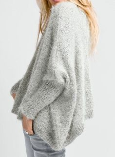 Bergère de France is the leading French wool manufacturer. Buy your knitting, crochet and embroidery yarns, patterns and all accessories online. Knitting Patterns Free, Free Knitting, Free Pattern, Chunky Sweater Outfit, Angora, Jacket Pattern, Knit Fashion, Knitted Shawls, Mode Style
