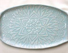 Nuevo Bandeja de cerámica  encaje profundo gris por FringeandFettle
