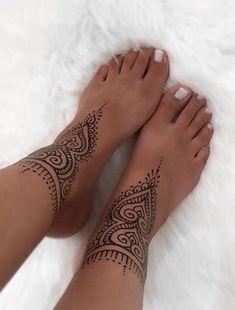 67 Infinity Beautiful Ankle Bracelet Tattoos Design Anklet Tattoos Idea for Wome. - 67 Infinity Beautiful Ankle Bracelet Tattoos Design Anklet Tattoos Idea for Women – Page 16 - Henna Ankle, Ankle Foot Tattoo, Leg Mehndi, Henna Feet, Tattoo Feet, Mandala Foot Tattoo, Tattoo Henna, Flower Foot Tattoos, Henna Tattoo Meanings