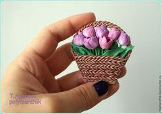 """Купить Брошь """"Корзинка с тюльпанами"""" - розовый, тюльпаны, цветы из полимерной глины, цветы, корзина с цветами"""