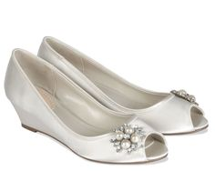 Low Heels Wedding Shoes, The Resolution For Your Height | Wedding Inspirations