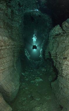 Resultado de imagen de cuevas submarinas de Ordinskaya Rusia imagenes