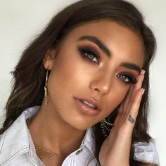A Queens Guide to Pageant Makeup Makeup prom Makeup Makeup Trends, Makeup Inspo, Makeup Inspiration, Makeup Tips, Makeup Blog, Drugstore Makeup, Makeup Tutorials, Makeup Contouring, Prom Makeup Tutorial