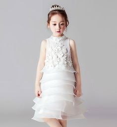 Definitely for my lil girl! Girly Shop's White Chic & Fancy Flower Applique Sleeveless Round Neckline Knee Length Tiered Little Girl Party Dress Birthday Girl Dress, Girls Party Dress, Birthday Dresses, Baby Dress, Dress Party, White Flower Girl Dresses, Little Girl Dresses, Girls Dresses, Prom Dresses