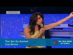 ▶ Lisa Bevere, You Are An Answer - YouTube