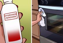 Best Photos 12 uses of hydrogen peroxide you wish you knew before Ideas Cleaning Your Plastic Siding You probably decided your plastic exterior since it's really easy to Uses Of Hydrogen, Hydrogen Peroxide Uses, Mold In Bathroom, Bathroom Hacks, Bathroom Ideas, Diy Cleaning Products, Cleaning Hacks, Cleaning Solutions, Bleach Water