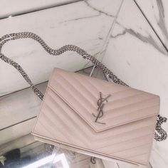 e5c87986afca 21 Best Gucci Carousel 2019 images in 2019